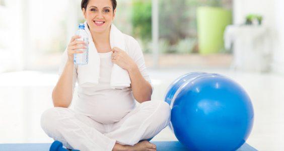 Pitný režim a cvičenie tehotných mamičiek