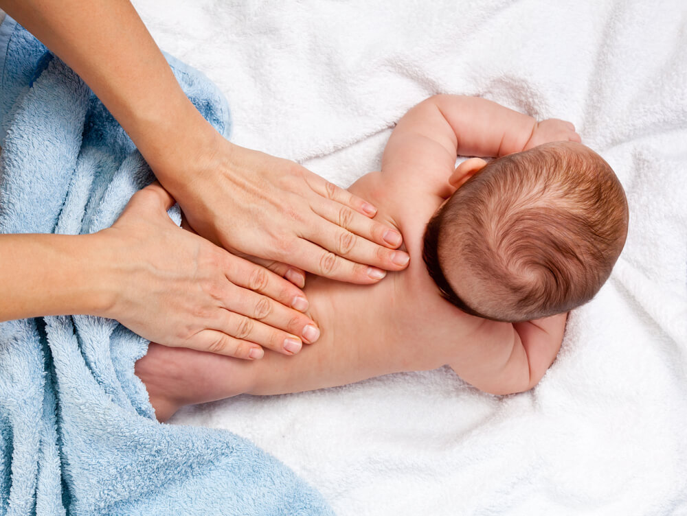 Kúpeľ a masáž bábätka